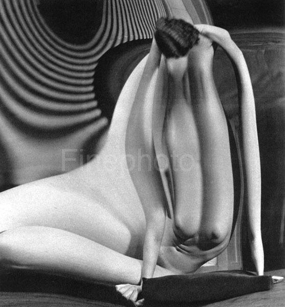 André Kertész, Distortion #34, 1933