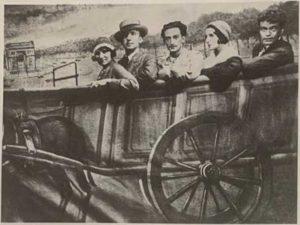 Gala, Paul Eluard, Salvador Dali, Valentine Hugo şi Rene Crevei într-o fotografie din 1931